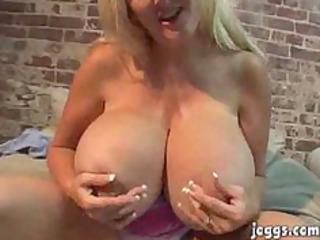 mammothh tits cougar kayla kleevage