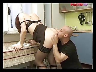 casalinga italiana scopata - italian home maiden