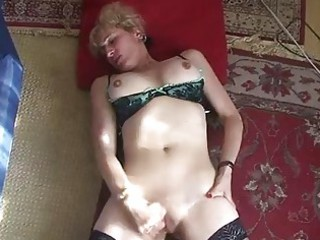 mature woman finger gangbangs her cave