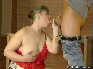 chubby elderly cougar woman likes licking giant
