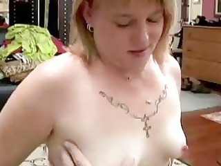 cute chubby milf gives a awesome blowjob