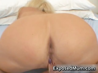 huge bossom woman in slim fisting her part2