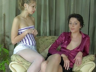 amateur albino and cougar brunette inside nylons