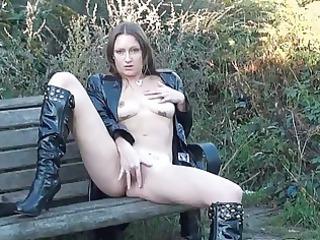 gorgeous american milf randy dildoing outdoors