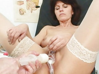 senior housewife weird speculum cave examination