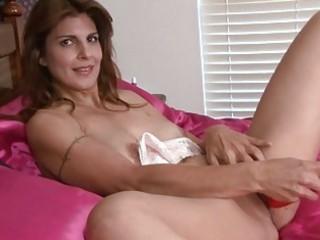 woman closeup kitty masturbation