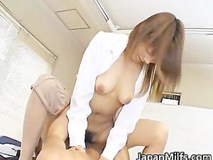 arika takarano janapese milf gets hand part1