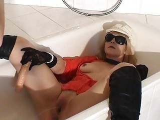 piss drinking whore maiden into the shower