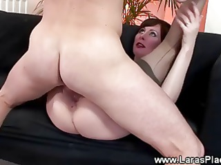 cougar slut loves licking and drilling
